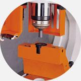 Специальный адаптер для пробивки отверстий в швеллере.